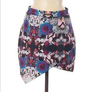 Lovers + Friends Floral Miniskirt Size M EUC